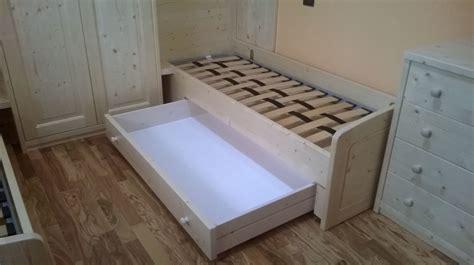 mobili abete naturale cameretta in abete naturale linea scandola mobili