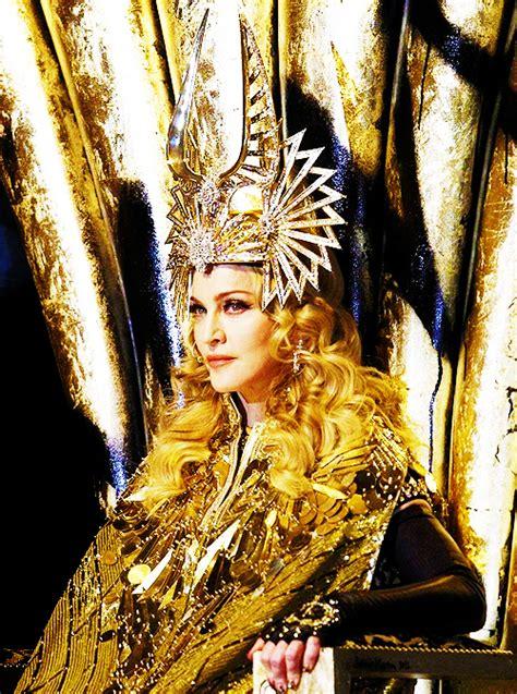 Bowl Halftime Wardrobe by Madonna S Superbowl Halftime Show Wardrobe 171 Beatstylist