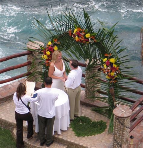 wedding arch las vegas vallarta wedding and honeymoon viva las vegas