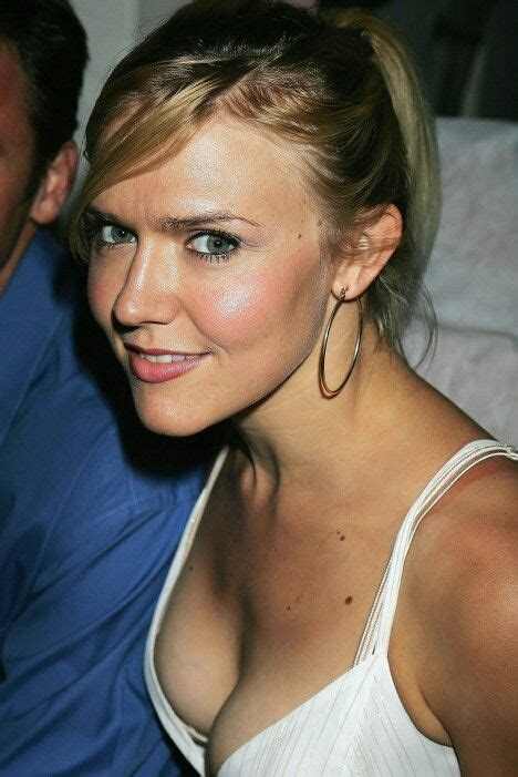 pin by chelsea swain on 51 best dominique swain images on actresses