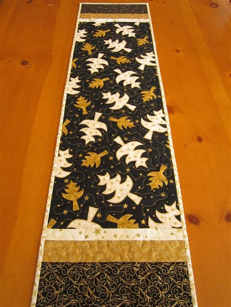 google christmas tree shop kitchen table runners not xmas 1000 images about runners on