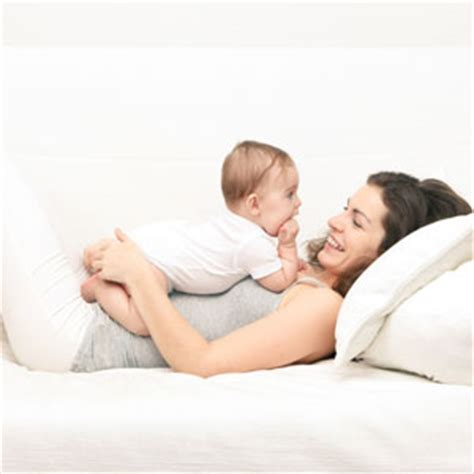 Comfort Nursing Newborn by How To Comfort Your Newborn Comfort Your Newborn Baby