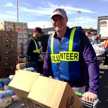 Turkey Giveaway 2017 Chicago - gcu employees help the needy at turkey giveaway top