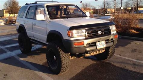 1997 toyota 4runner lifted 6 inches on 35s