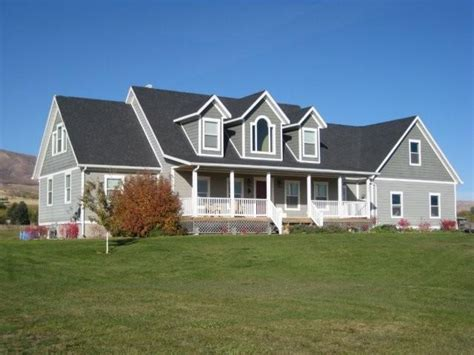 cap cod homes cape cod style homes casual cottage
