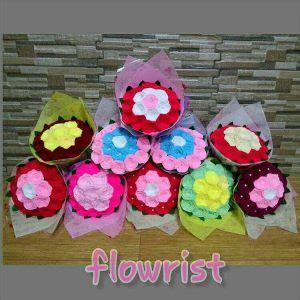 Buket Bunga Bunga Wisuda Kado Ulang Tahun Bunga Fresh jual boneka wisuda murah souvenir wisuda 081 5650 5657 jual boneka wisuda murah souvenir