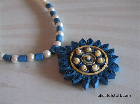 How To Make Jewellery Designs On Paper - diy quilled paper necklace easy paper quilling