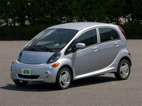 used mitsubishi i miev pre owned 2012 mitsubishi i miev es 4d hatchback in
