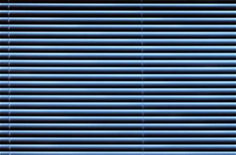 jalousie dachfenster dachfenster jalousie f 252 r jedes fenster eine passende l 246 sung