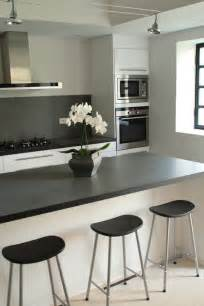 les surfaces de comptoir de cuisine