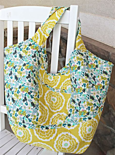 easy tote bag sewing pattern free carnaby carry all bag with free pattern presents