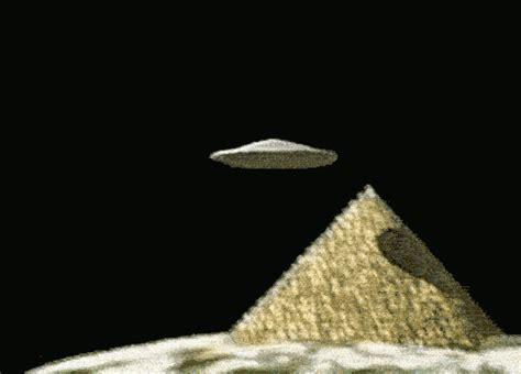 illuminati ufo ufo gif find on giphy