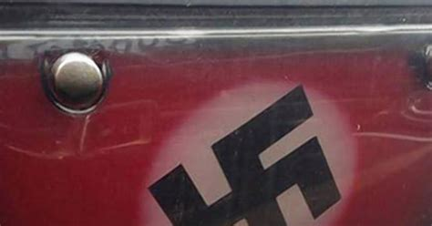 Tgp Cover Plat Nomor Bening License Plate Cover see it not see license plates and swastika ny daily news