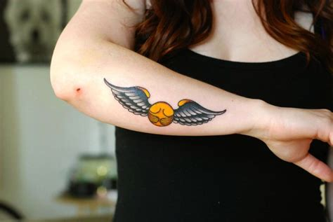 snitch tattoo 15 fantastic harry potter tattoos the golden snitch guff
