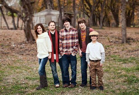 family picture color ideas family portrait color scheme ideas about the artist