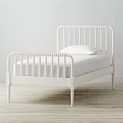 white bed lind bed white the land of nod