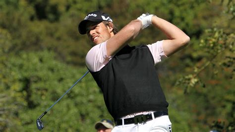 aaron baddeley swing better golf isn t about a swing a lesson learned from the