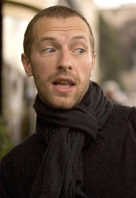 coldplay vocalist chris martin in coldplay singer chris martin has super