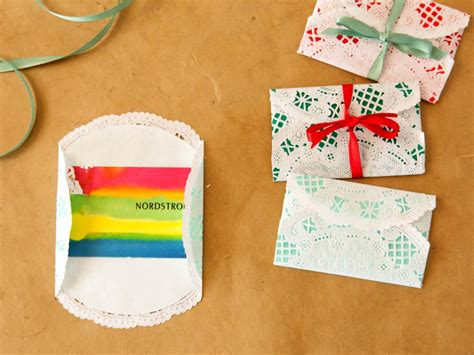wrapping gifts how to wrap gift cards for christmas how tos diy
