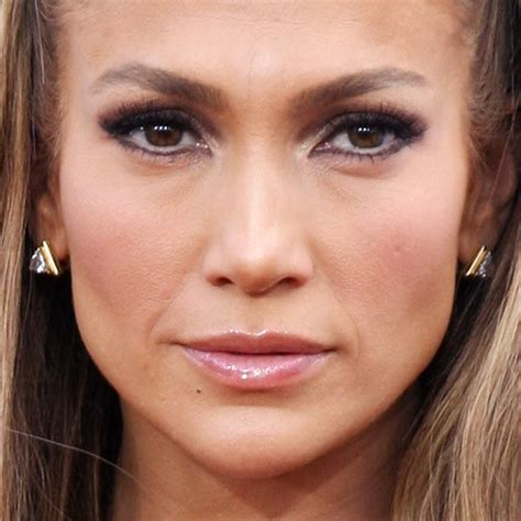 what lipstick and gloss does jennifer lopez wear jennifer lopez makeup brown eyeshadow pink lip gloss