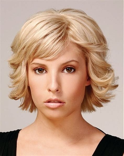 styling heavily layered hair short length layered hairstyles