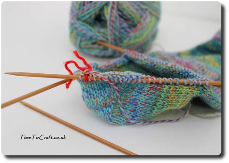 how to knit socks with pointed needles easy knitting socks