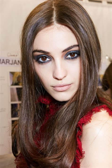 tampil stylish   inspirasi model rambut panjang
