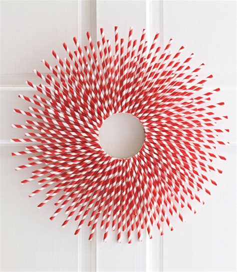 Paper Straw Craft Ideas - straw burst wreath