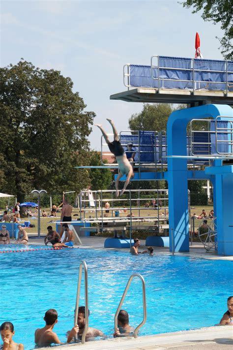 schwimmbad metzingen freizeit sprungturm im g 246 ppinger freibad nicht sicher