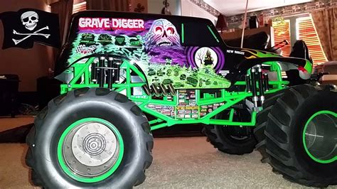 rc grave digger monster truck grave digger rc monster truck youtube
