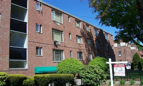 Photos of Carriage Place Apartments in Hartford, CT