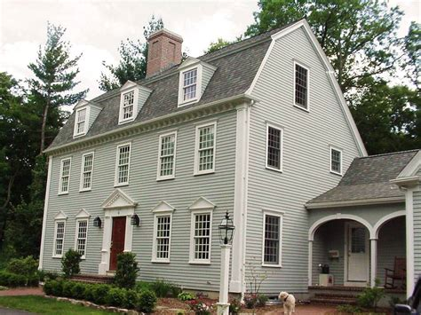 New England Saltbox House by The Saltbox Colonial Exterior Trim And Siding The
