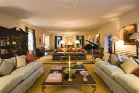 famous folk at home tory burch s home in southton famous folk at home tory burch s home in southton