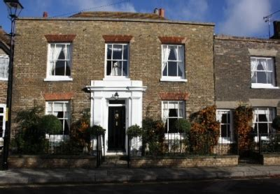 Cottage To Rent In Kent by Cottage Rental In Sandwich Kent Cottage Compare