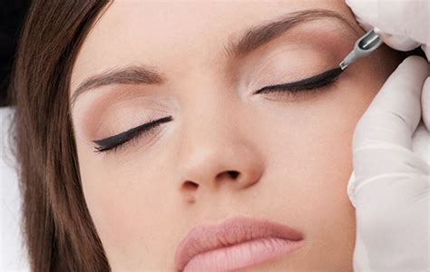 eyeliner tattoo problems here s why cosmetologists recommend cosmetic tattoo for