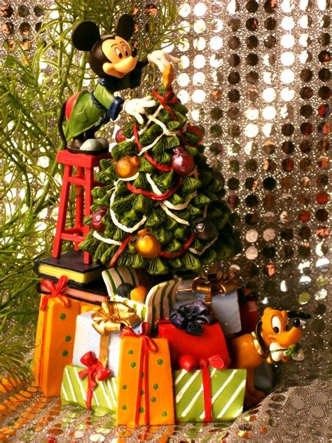 disney disney mickey mouse pluto christmas tree