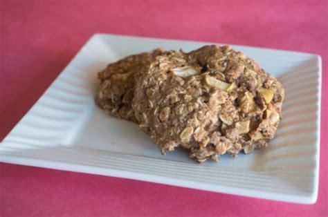 smells  goods apple oat breakfast cookies killer bunnies