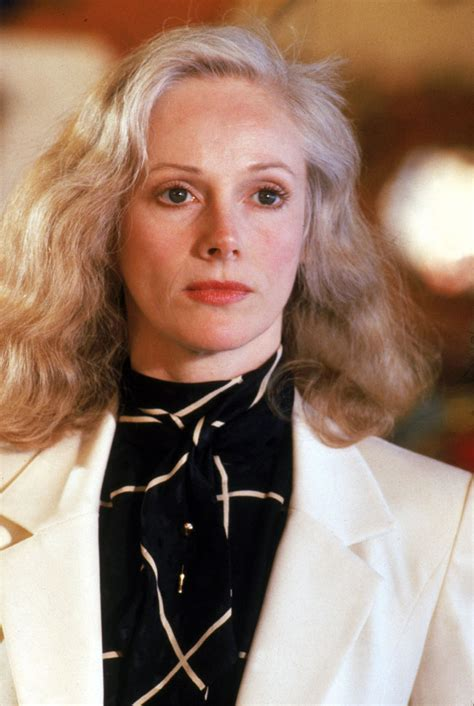 what is sondra locke s bra size sondra locke body height weight