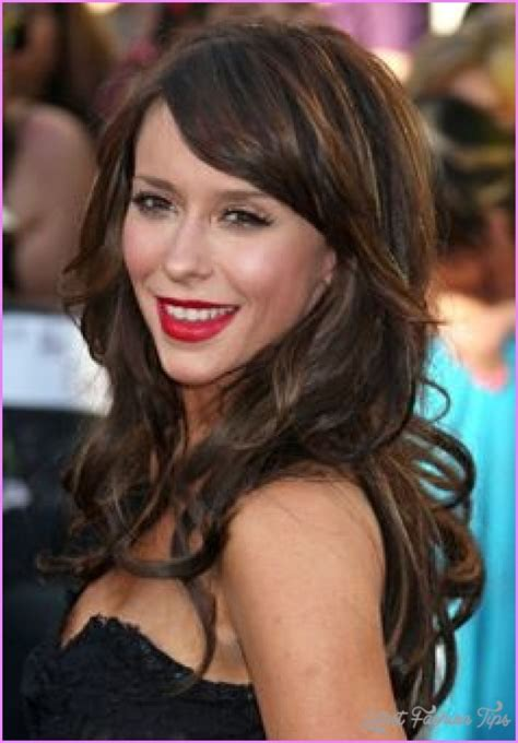 curly layers with side swept bangs side swept bangs for curly hair latestfashiontips com