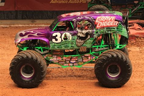 rc monster truck freestyle videos gravedigger 30th anniversary monster trucks pinterest