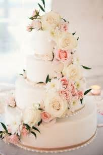 cake flower decorations 25 best ideas about wedding cake flower decorations on
