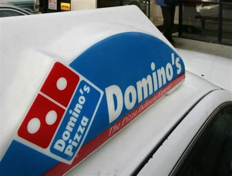 domino pizza van horne domino s driver fatally shoots teen attempting to rob him