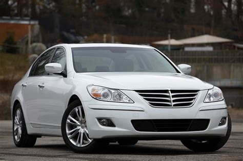 2011 hyundai genesis sedan review photo gallery autoblog