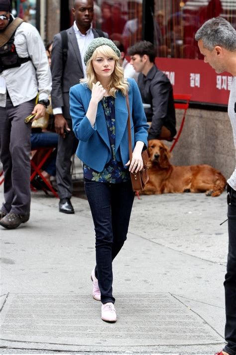 emma stone dog emma stone photos photos emma stone on the spider man 2