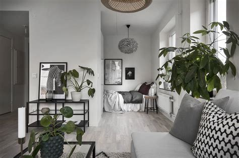 bright scandinavian studio apartament