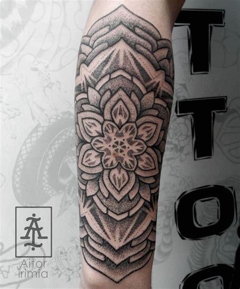 tattoo mandala puntillismo mandala puntillismo dotwork tattoo tatuajes puntillismo
