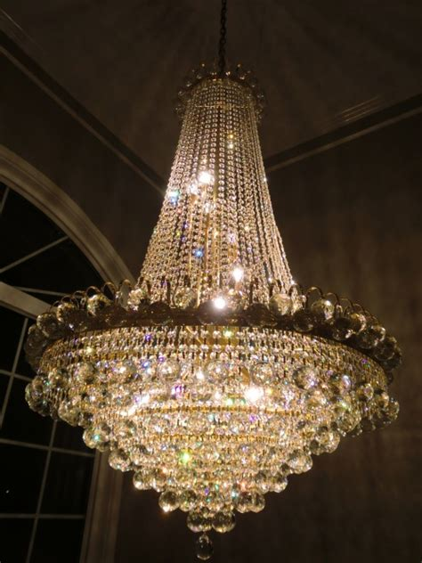 Cleaning Glass Chandeliers Glass Or Chandelier Cleaning West Vancouver Burnaby