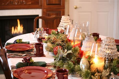 how to decorate your house how to decorate your christmas table 4