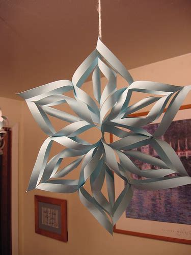 How To Make 3d Snowflakes Out Of Construction Paper - 3d paper snowflake blogaholics