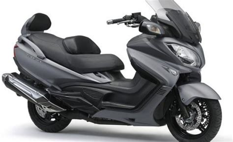 motosiklette oen plaka zorunlu olmayacak